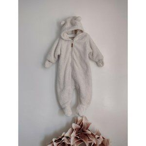 H and M Zip Up Bunting Babies Size4-6 Months cream